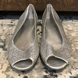 Nine West silver peep toe flats